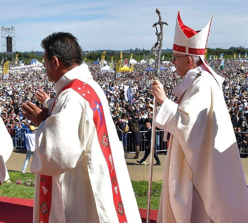 El papa Francisco  inició misa  en mapudungun,  lengua mapuche.