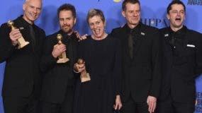 El director y algunos de los protagonistas de la cinta 'Tres anuncios en las afueras', que se llevó varios premios.