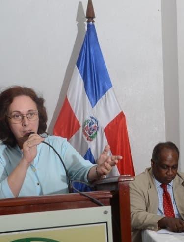 Editorial Duarte destaca labor de neurocientífico