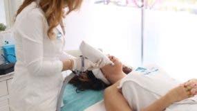 Puede realizarse en cualquier área del cuerpo y se utiliza con éxito en estrías y cicatrices.