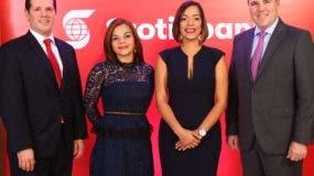 Miguel Huller,  Elisa Famila, Petra D'Óleo  y  Robert Williams.