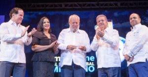 Manuel Corripio, Yvette Marichal, Freddy Ginebra, Leonel Fernández y  Omar de La Cruz.