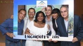 Algunos directivos de  la Asociación Dominicana de Prensa Turística (Adompretur).