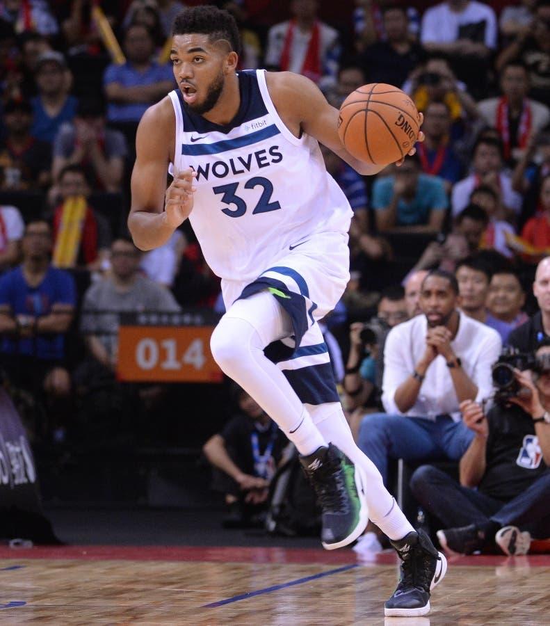Karl Towns sigue consolidándose como una estrella básket NBA.