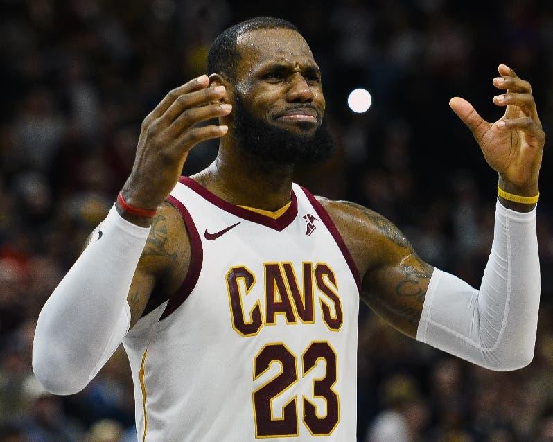 LeBron James  y  Cavs están atravesando una difícil temporada.
