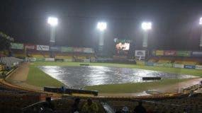 El estadio Cibao fue afectado, tanto  que obligó  a que las Águilas cedieran la sede del cuarto juego.  fuente externa