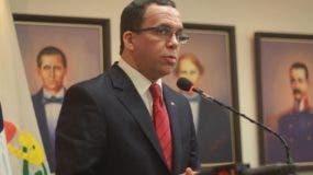 El ministro de Educación, Andrés Navarro.