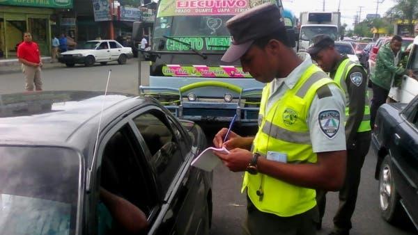 AMET retiene vehículos a ciudadanos que no renovaron el marbete
