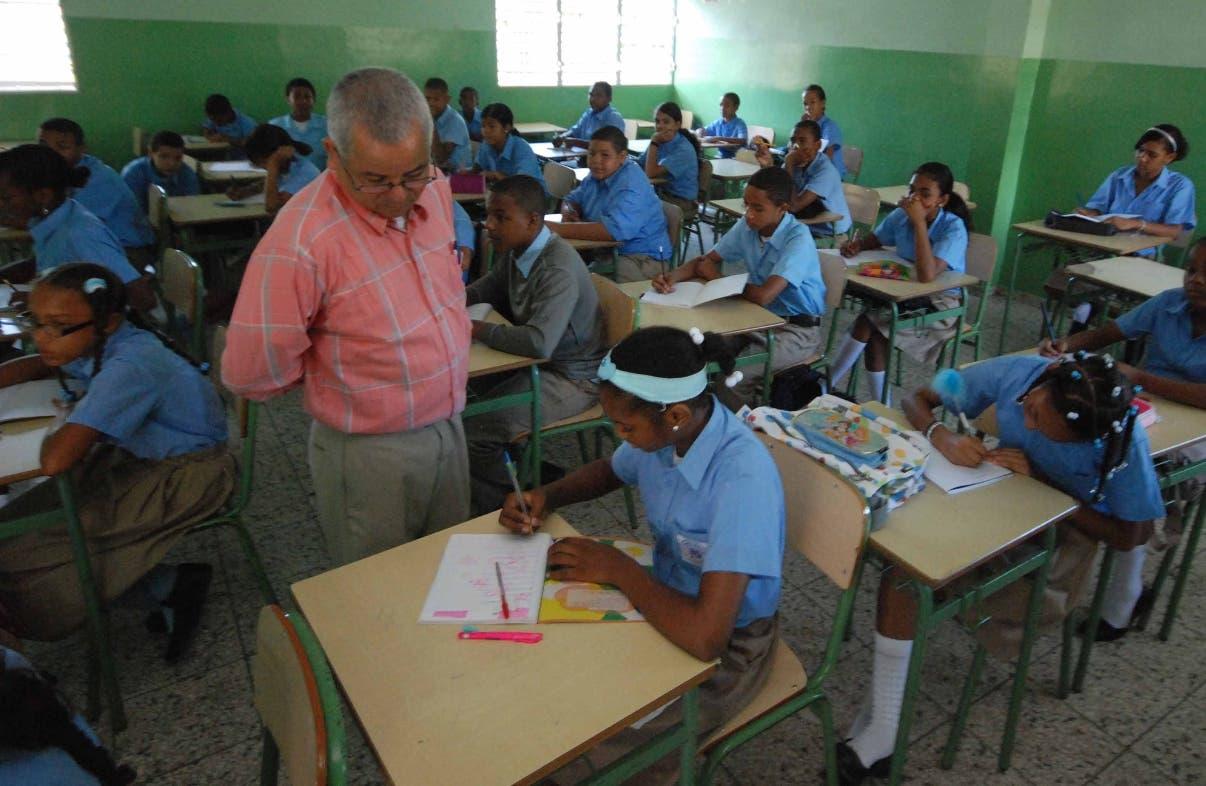 El Consejo Nacional de Educación eliminó la discrecionalidad para nombrar en distritos y regiones.