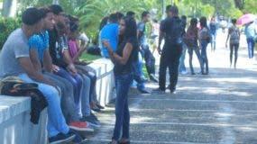 Estudiantes preocupados  en la UASD  por no poder iniciar semestre pese a dos cambios de fecha.