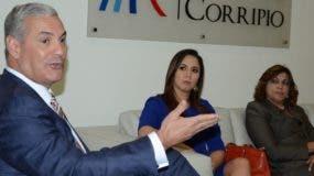 Gonzalo Castillo, María Scheker y María Amézquita.