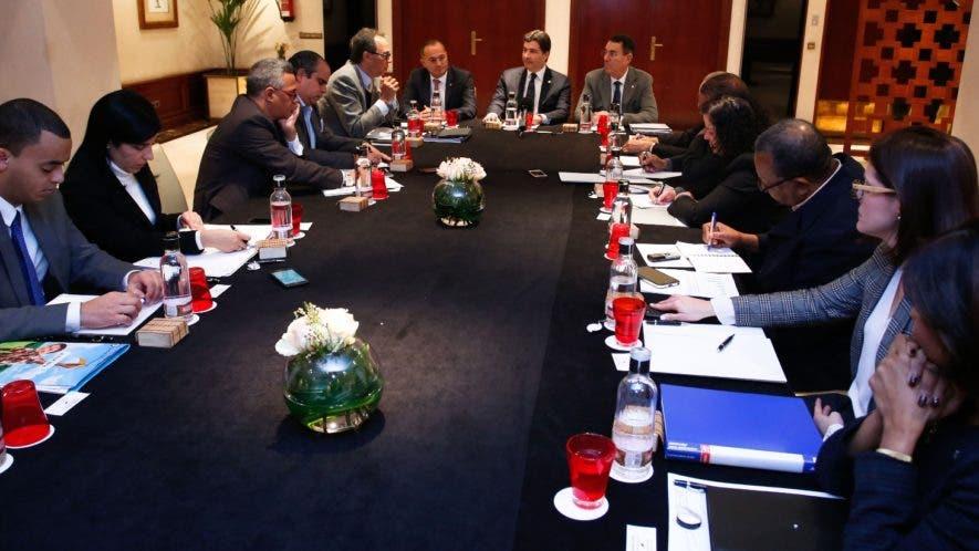 Representantes del Banco Popular explicaron a periodistas dominicanos en Madrid la importancia de inversión en el sector turismo.