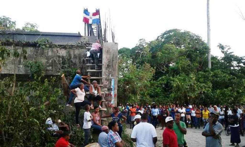 advierten-realizaran-protesta-para-exigir-terminacion-puente-sobre-el-rio-el-corozo-en-comunidad-los-canos-de-maimon-en-parte-oeste-de-puerto-plata