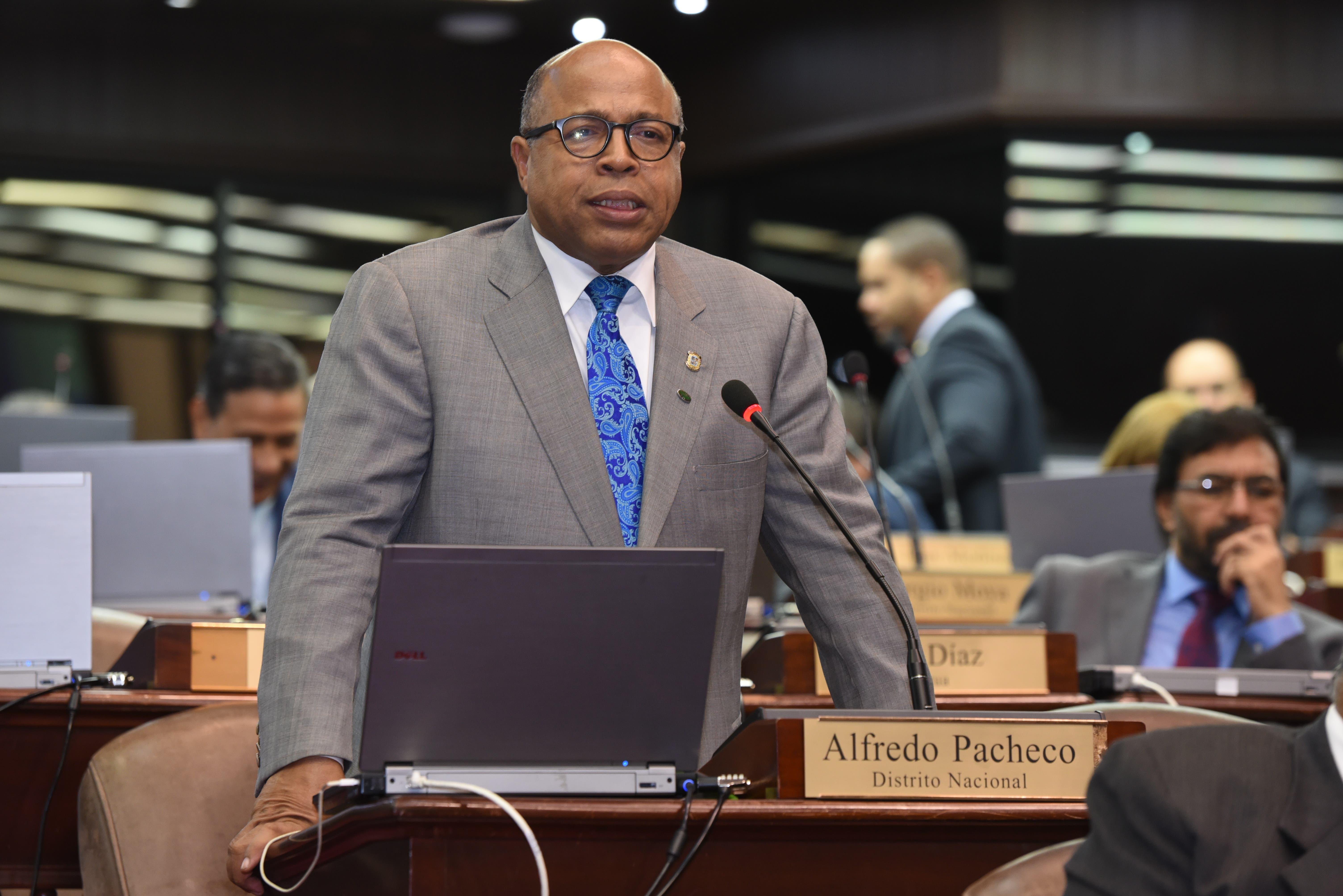 Alfredo Pacheco, vocero del PRM, en la Cámara de Diputados.