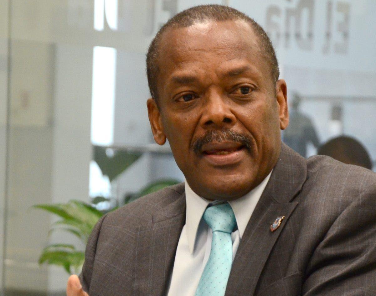 Alcalde Radhamés Castro  entiende que la conexión aeroportuaria le da plusvalía a la demarcación.  Jose de León