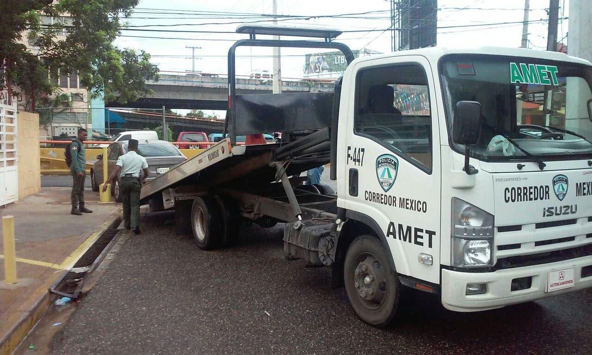 AMET ha retenido más de 400 vehículos sin marbete en Santo Domingo