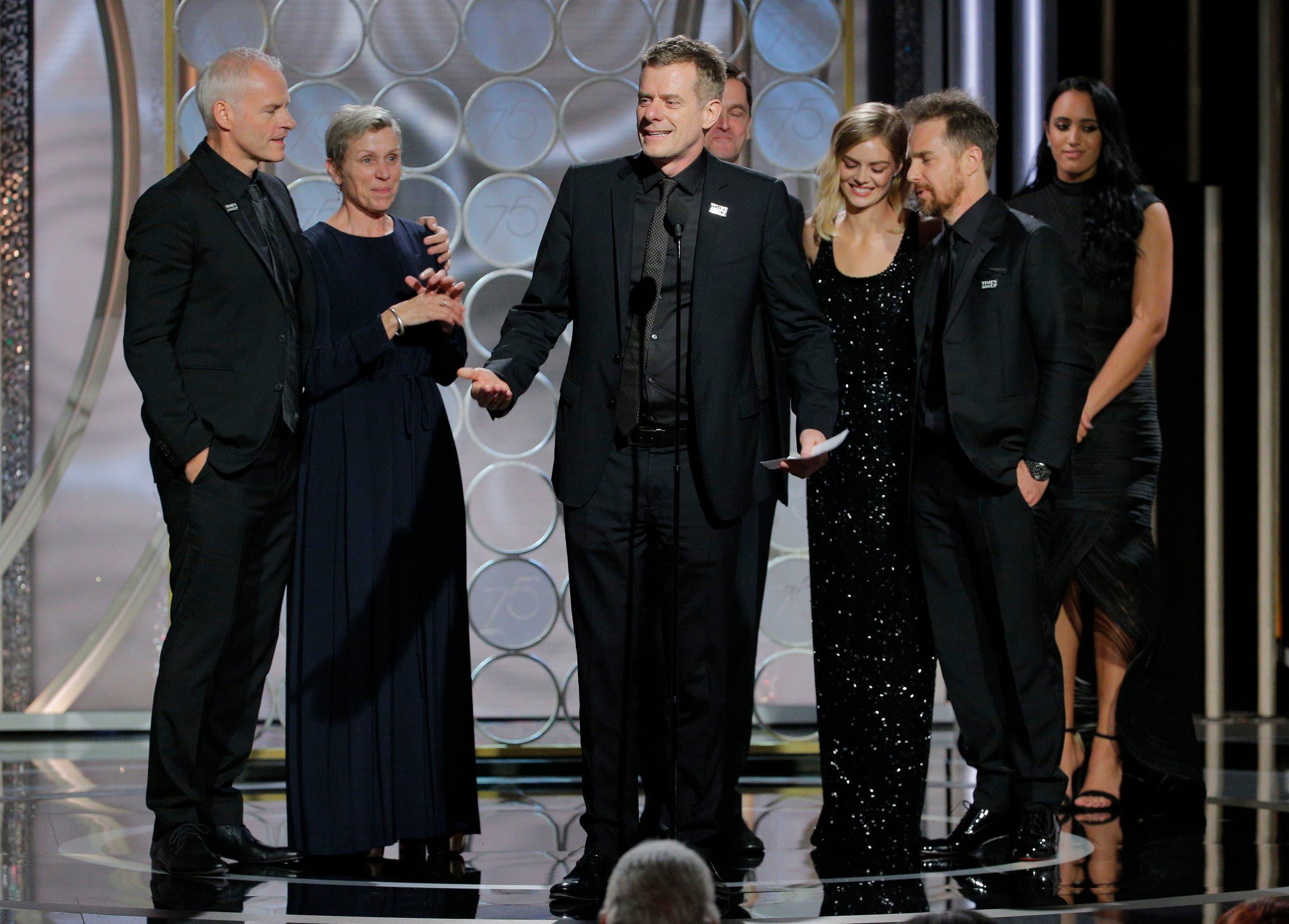 Guillermo del Toro recibe Globo de Oro como Mejor Director