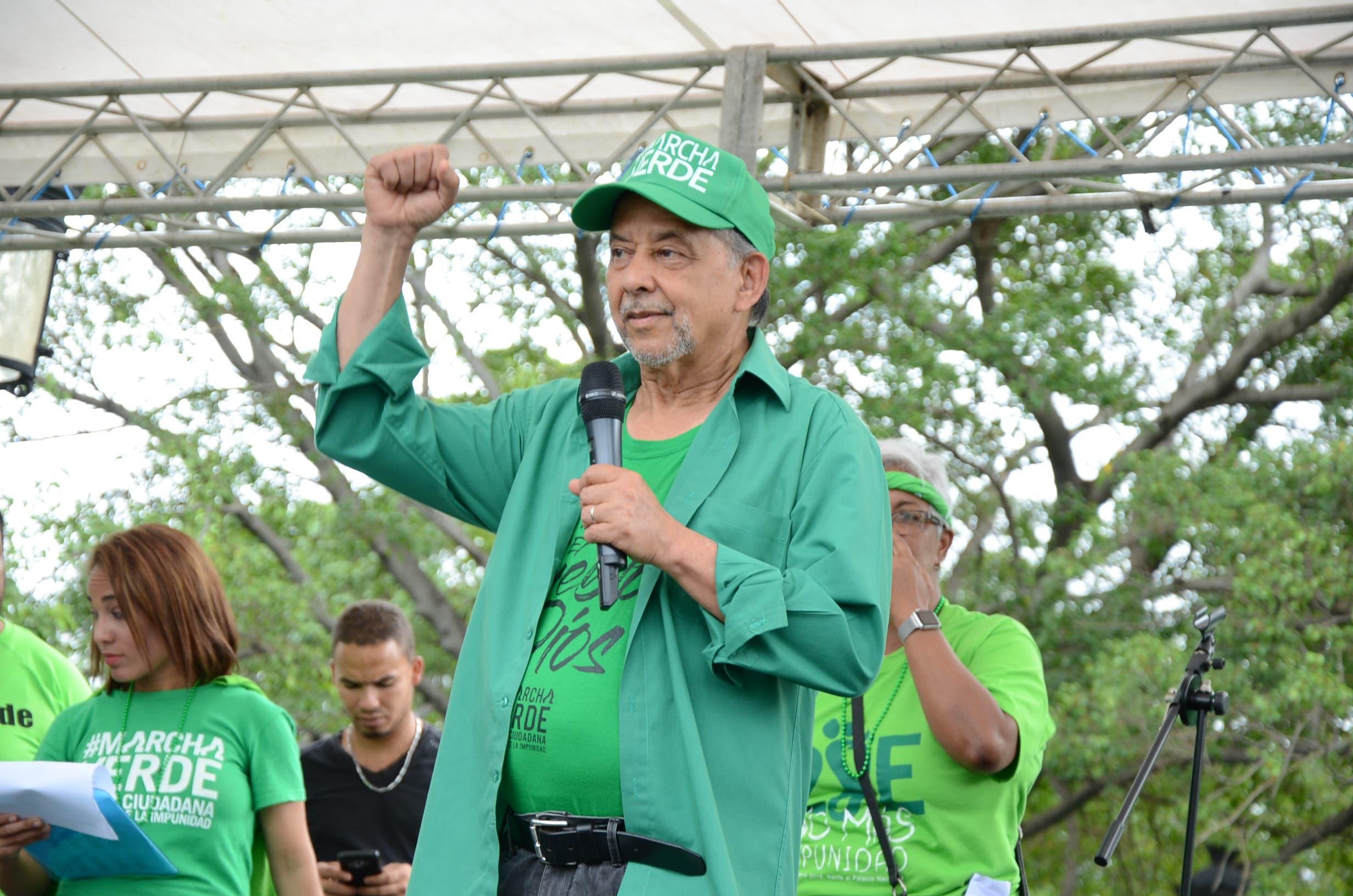 El periodista Huchi Lora en manifestación Marcha Verde. Foto: José de León