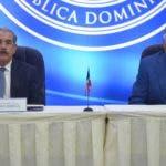 El presidente Danilo Medina y el canciller Miguel Vargas.