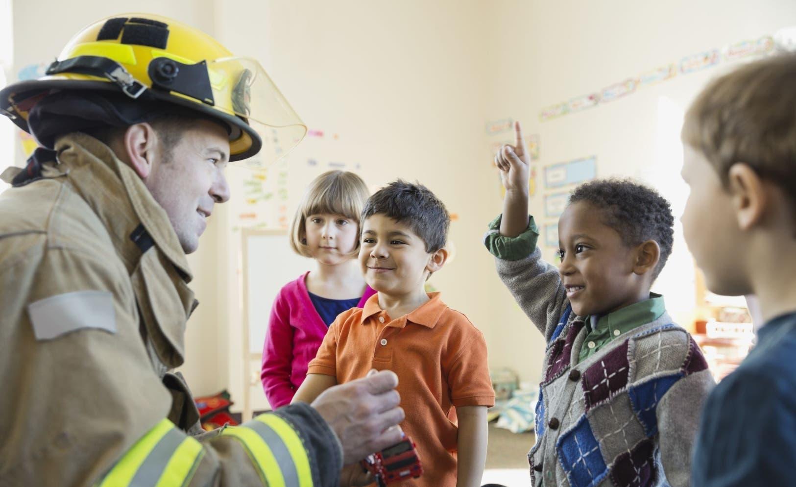 Los simulacros de incendio son útiles y   factibles, pueden llevarse a los planteles estudiantiles aunque sea mensualmente.