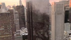 La causa del incendio no fue inmediatamente clara. Los bomberos fueron llamados aproximadamente a las 7:20 de la mañana y lo controlaron poco rato después.