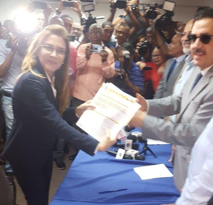Bautista, Paliza, Feris Iglesias y Geanilda Vásquez se disputarán presidencia del PRM