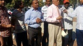Gabriel Sánchez del Falpo y José Galvez, coordinador general del movimiento Comunitario Independiente.