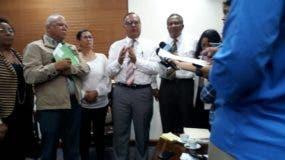 Director del SNS reunido con otros gremios.