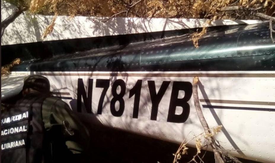 Autoridades dominicanas investigan si avioneta abandonada en Venezuela salió de RD