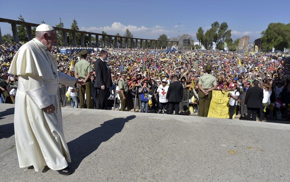El encuentro se efectuó en el Templo Votivo de Maipú en Santiago. AFP