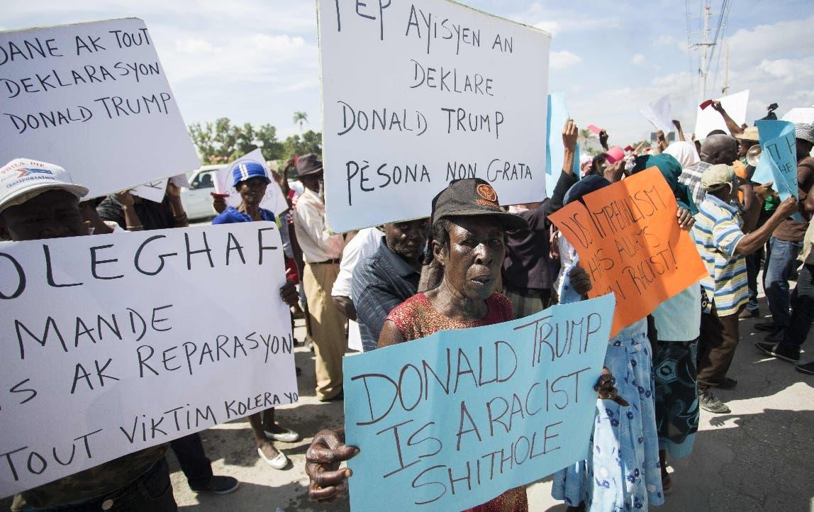 Haitianos protestan frente a la Embajada de Estados Unidos. AFP