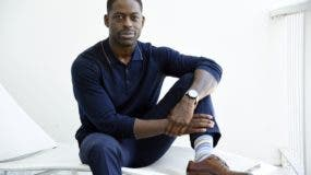 El actor Sterling K. Brown ganó el Globo de Oro al mejor actor.