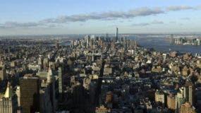 """El alcalde de Nueva York, Bill de Blasio, que inauguró la sede junto al presidente de la Academia, Neil Portnow, celebró hoy el retorno del Grammy a """"la capital de la música"""", evento que tendrá un impacto de 600 millones de dólares en la economía de la ciudad. EFE/Archivo"""