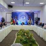 Foto de archivo de la última reunión entre delegados del Gobierno y la oposición de Venezuela en la sede  de la Cancillería dominicana. Las  buscan mediante la vía del diálogo una salida a la crisis que afecta a su país. Foto: José de León/El Día.