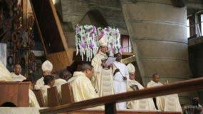 Monseñor Gregorio Nicanor Peña durante la homilía.