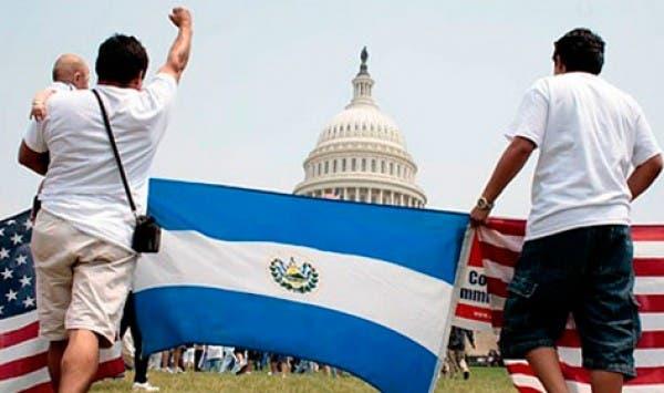 Poner fin a la protección también supondría un duro desafío para El Salvador, un país de 6,2 millones de personas con una economía dependiente de las remesas de los trabajadores en Estados Unidos.