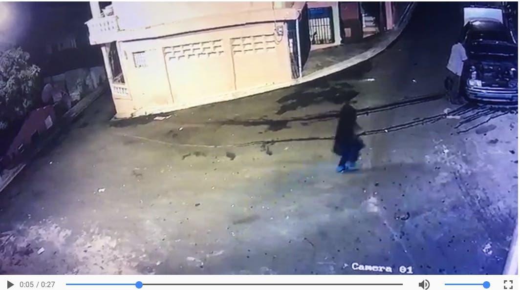 Video muestra el momento en que matan exteniente de la Policía en ...
