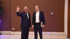 Miguel Vargas y José Luis Rodríguez Zapatero llegaron al Centro de Convenciones pasadas las 6:00 de la tarde.