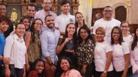 Parte de los jóvenes que participaron en  eucaristía  por el Día de la Juventud.  Elieser Tapia.