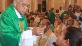 Francisco Ozoria  ofició  misa por los enfermos.  archivo