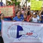 Maestros protestan en e l Distrito Nacional. Archivo.