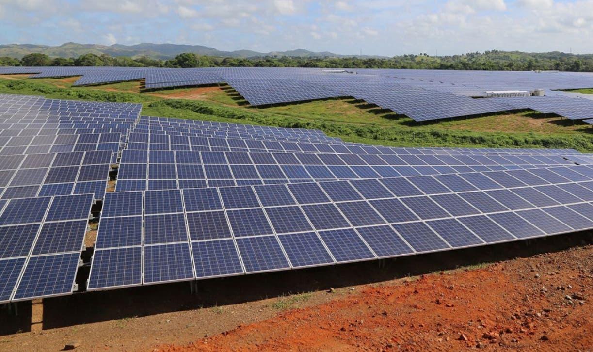 La central fotovoltaica de Monte Plata inyecta al sistema 30 megavatios .  ARCHIVO