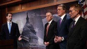 El presidente Donald Trump envió la pieza para conocimiento del Congreso de Estados Unidos, en los próximos días.  AP