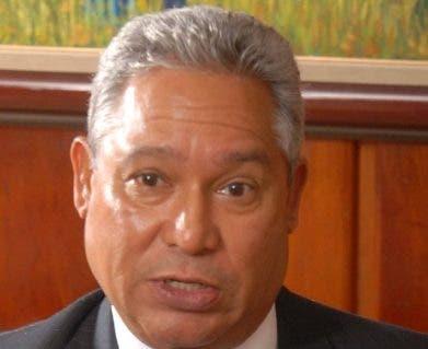 Isidoro Santana, ministro de Economía . ARCHIVO