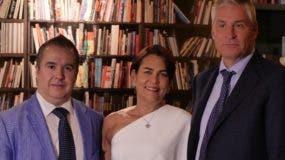 Sarah Martínez, Juan Bertrán y  César Pérez.