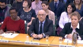 Ejecutivos de Oxfam en Londres, Mark Goldring,  Winnie Byanyima y Caroline Thomson.