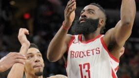 James Harden, de los Rockets,  está teniendo una temporada   tipo Jugador Más Valioso .  AP