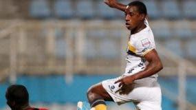 La acción corresponde al partido entre los equipos de Pantoja frente a la selección de  Trinidad & Tobago.   Fuente externa