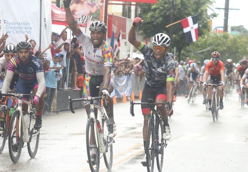 César Marte y Jonathan Ogando en un apretado final.