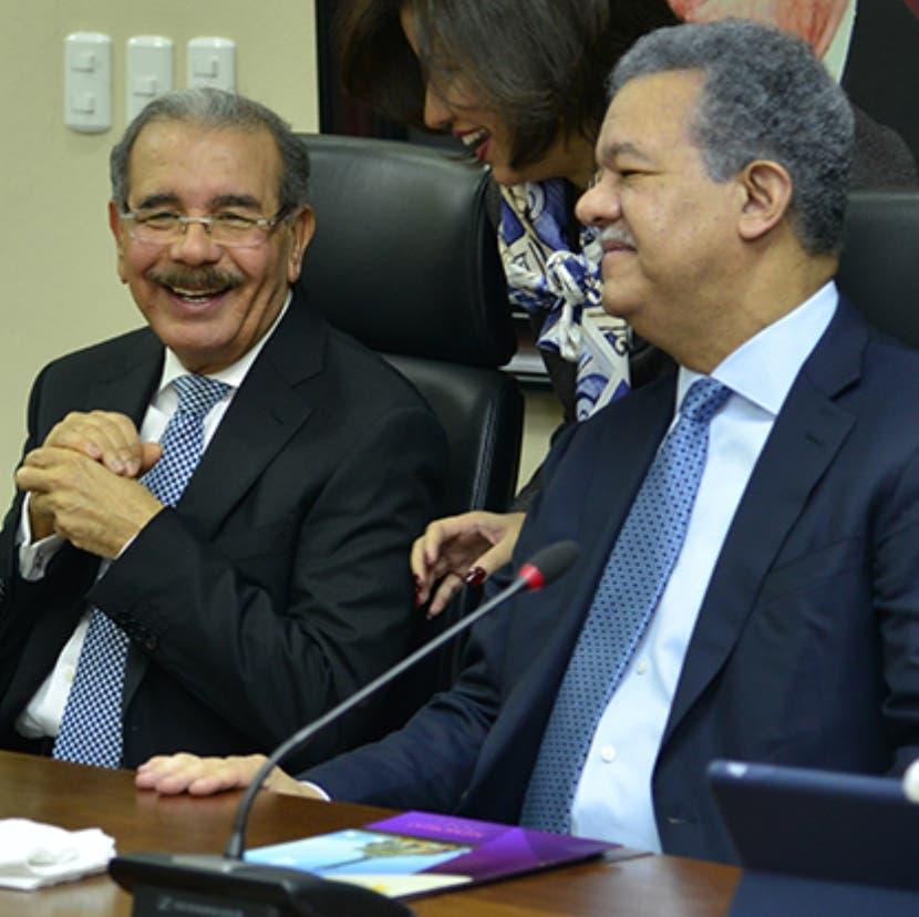 Danilo Medina y Leonel Fernández en reunión del PLD.